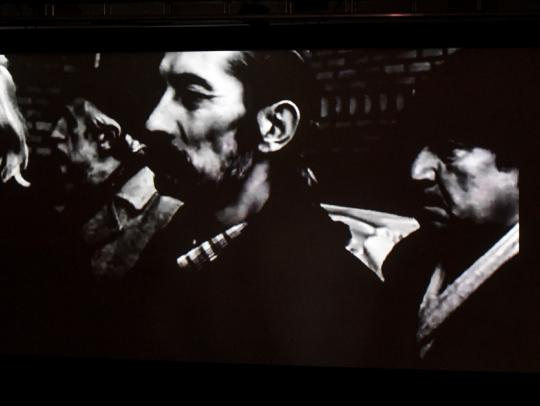 Képkocka Tarr Béla és Robby Müller Prologue c. rövidfilmjéből