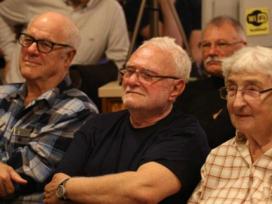A közönség soraiban Sándor Pál rendező
